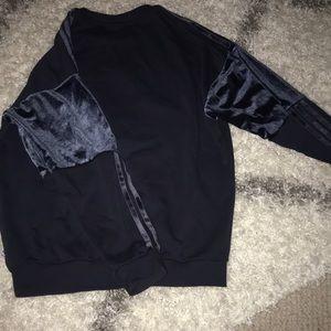 adidas Tops - Adidas sweatshirt with velvet sleeve detail
